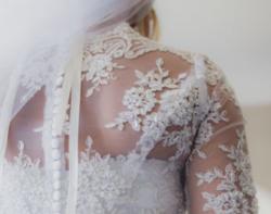 Une jolie robe de mariée ....